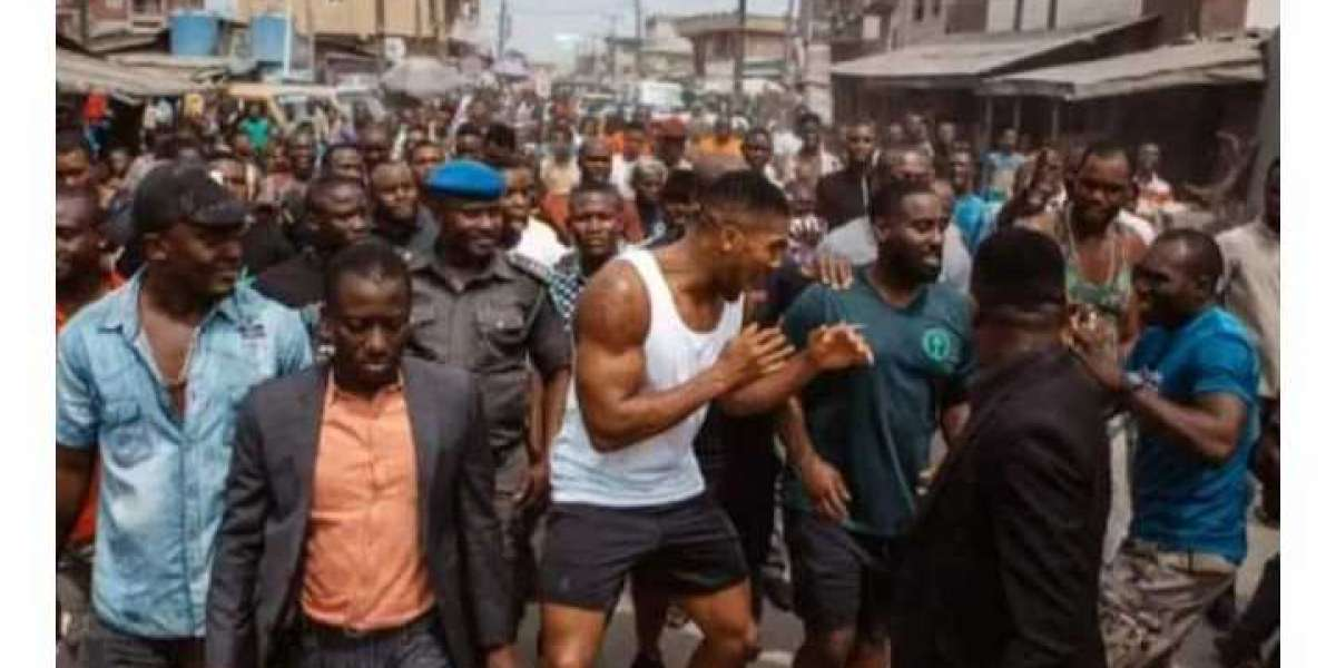 World Boxing Champion Anthony Joshua involved in Street Fight in Nigeria (Picture)