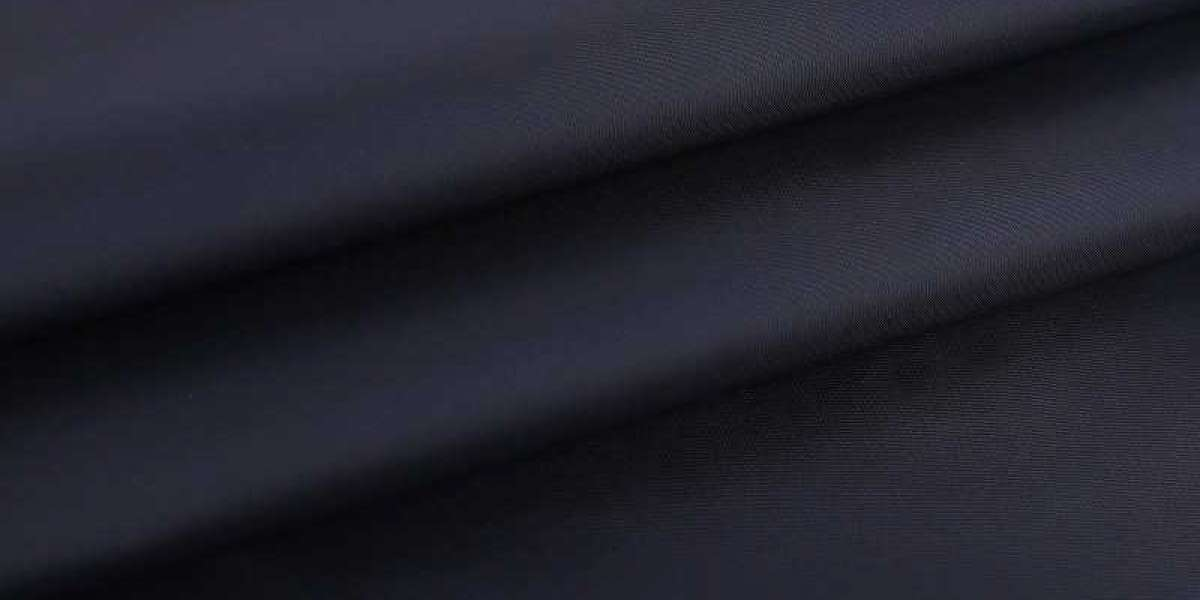 Characteristics Of Lightweight Nylon Fabric And Polyester