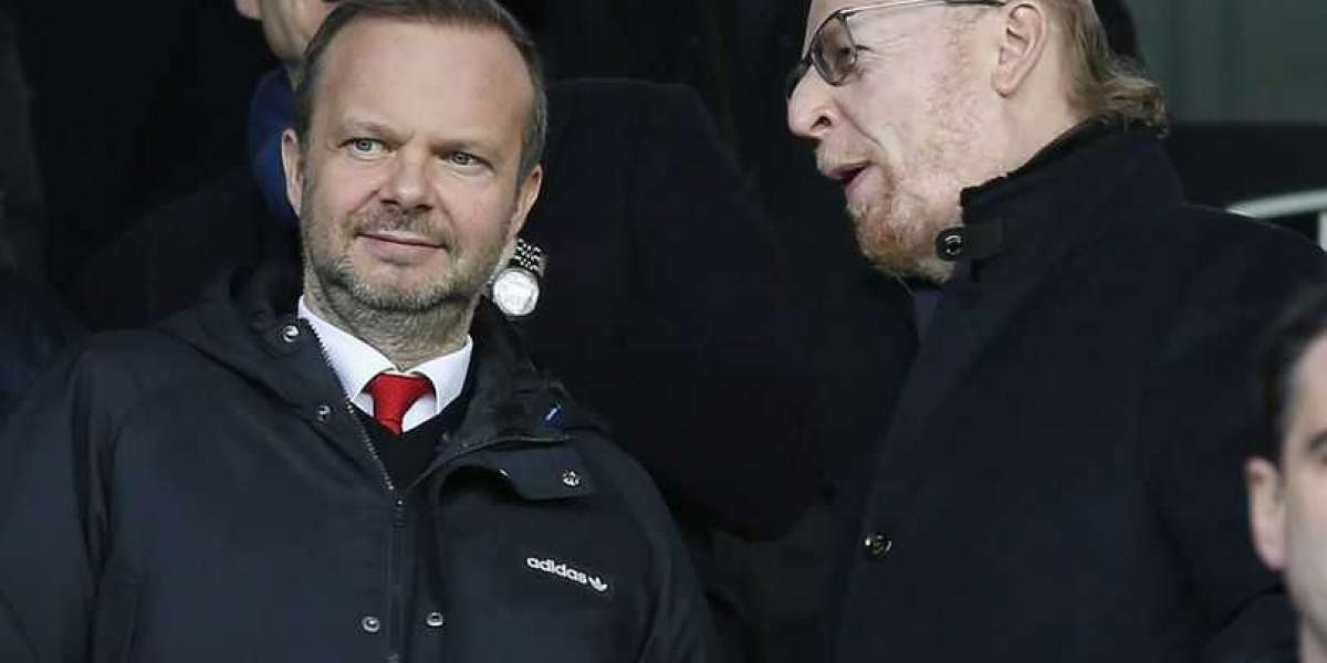 Ed Woodward owes Manchester United fans an explanation over technical director dithering